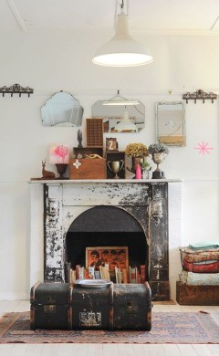 Inspiring Valentines Day Fireplace Decoration Ideas 23