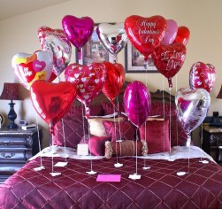 Romantic Valentines Bedroom Decoration Ideas 25
