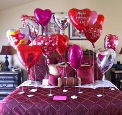 Romantic Valentines Bedroom Decoration Ideas 25