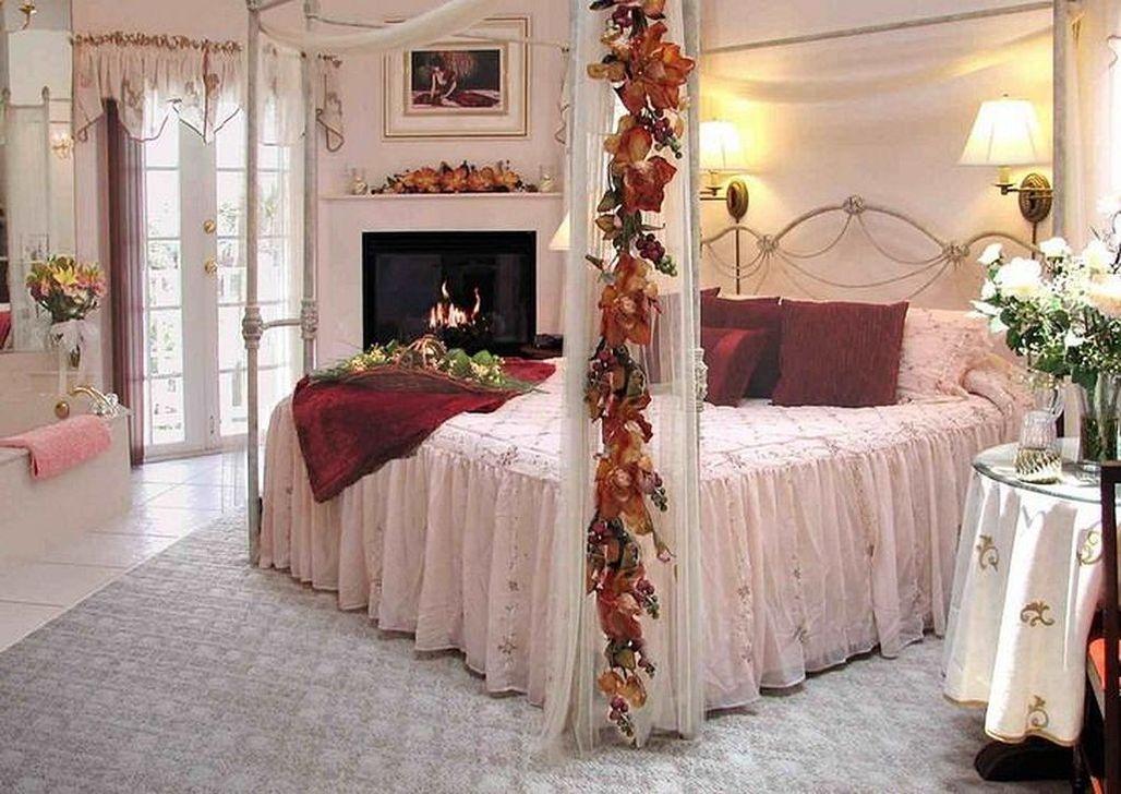 Romantic Valentines Bedroom Decoration Ideas 35
