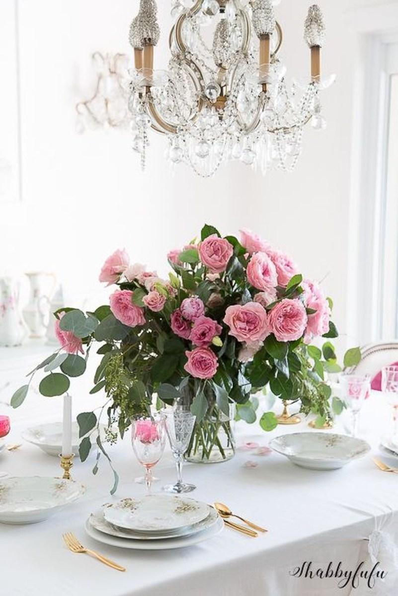 Romantic Valentines Day Dining Room Decoration Ideas 04