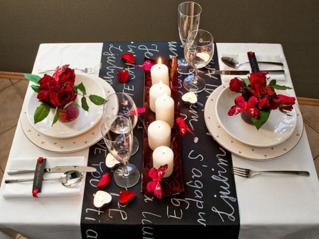 Romantic Valentines Day Dining Room Decoration Ideas 09
