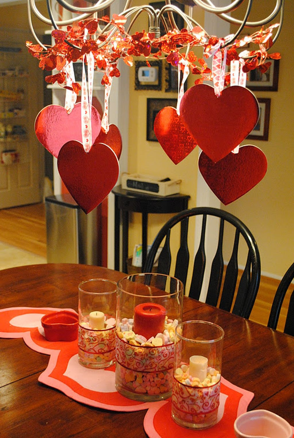 Romantic Valentines Day Dining Room Decoration Ideas 15