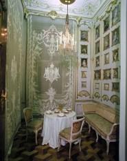 Romantic Valentines Day Dining Room Decoration Ideas 32