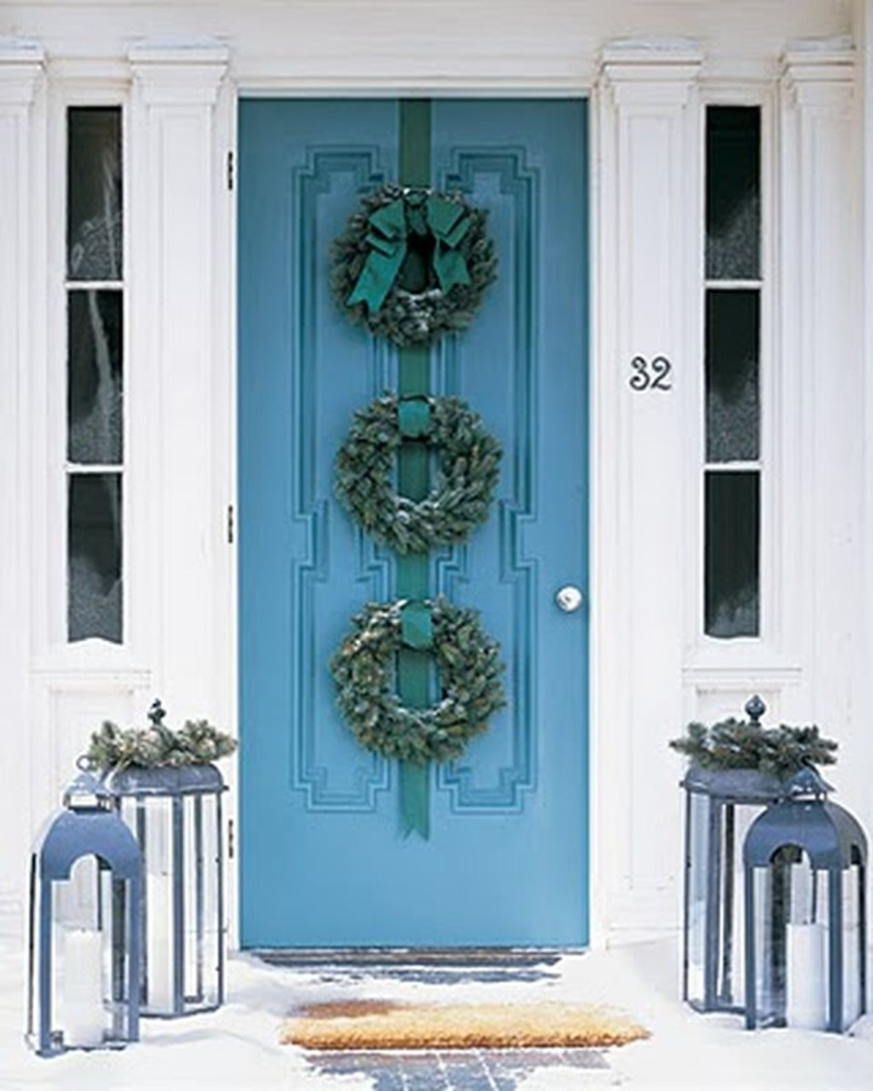 Stunning Front Door Decoration Ideas For Winter 20