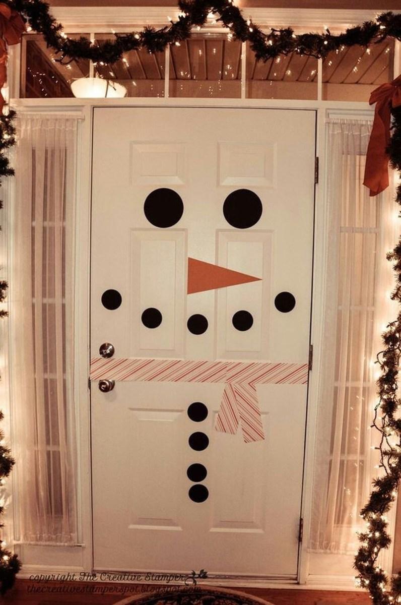 Stunning Front Door Decoration Ideas For Winter 34