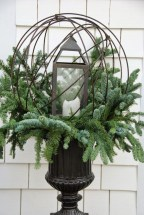 Totally Adorable Winter Porch Decoration Ideas 09