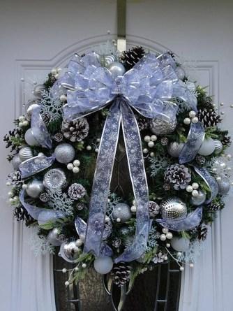 Totally Adorable Winter Porch Decoration Ideas 18