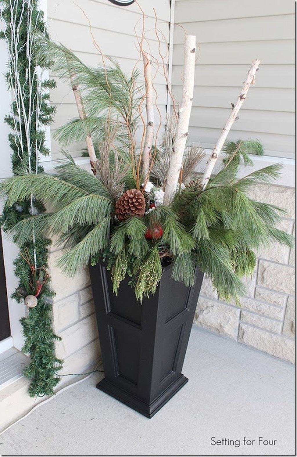 Totally Adorable Winter Porch Decoration Ideas 21