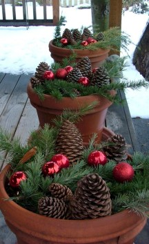 Totally Adorable Winter Porch Decoration Ideas 22