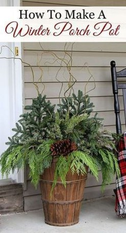 Totally Adorable Winter Porch Decoration Ideas 25