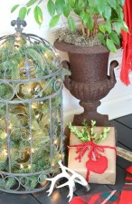 Totally Adorable Winter Porch Decoration Ideas 37