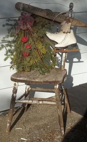 Totally Adorable Winter Porch Decoration Ideas 43