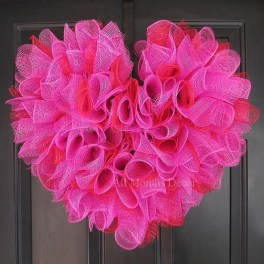 Totally Adorable Wreath Ideas For Valentines Day 25