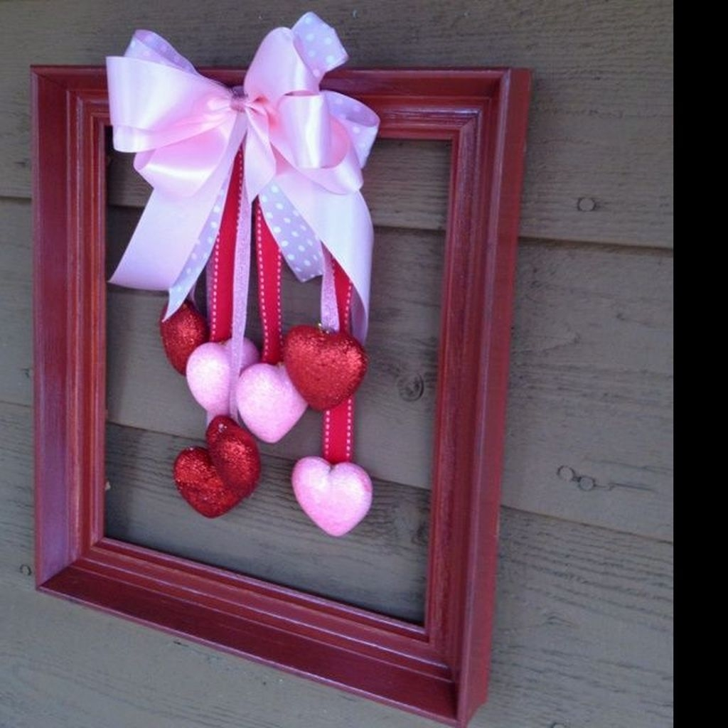 Totally Adorable Wreath Ideas For Valentines Day 28