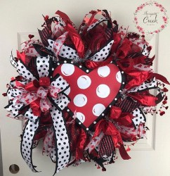 Totally Adorable Wreath Ideas For Valentines Day 30