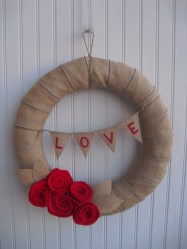 Totally Adorable Wreath Ideas For Valentines Day 32