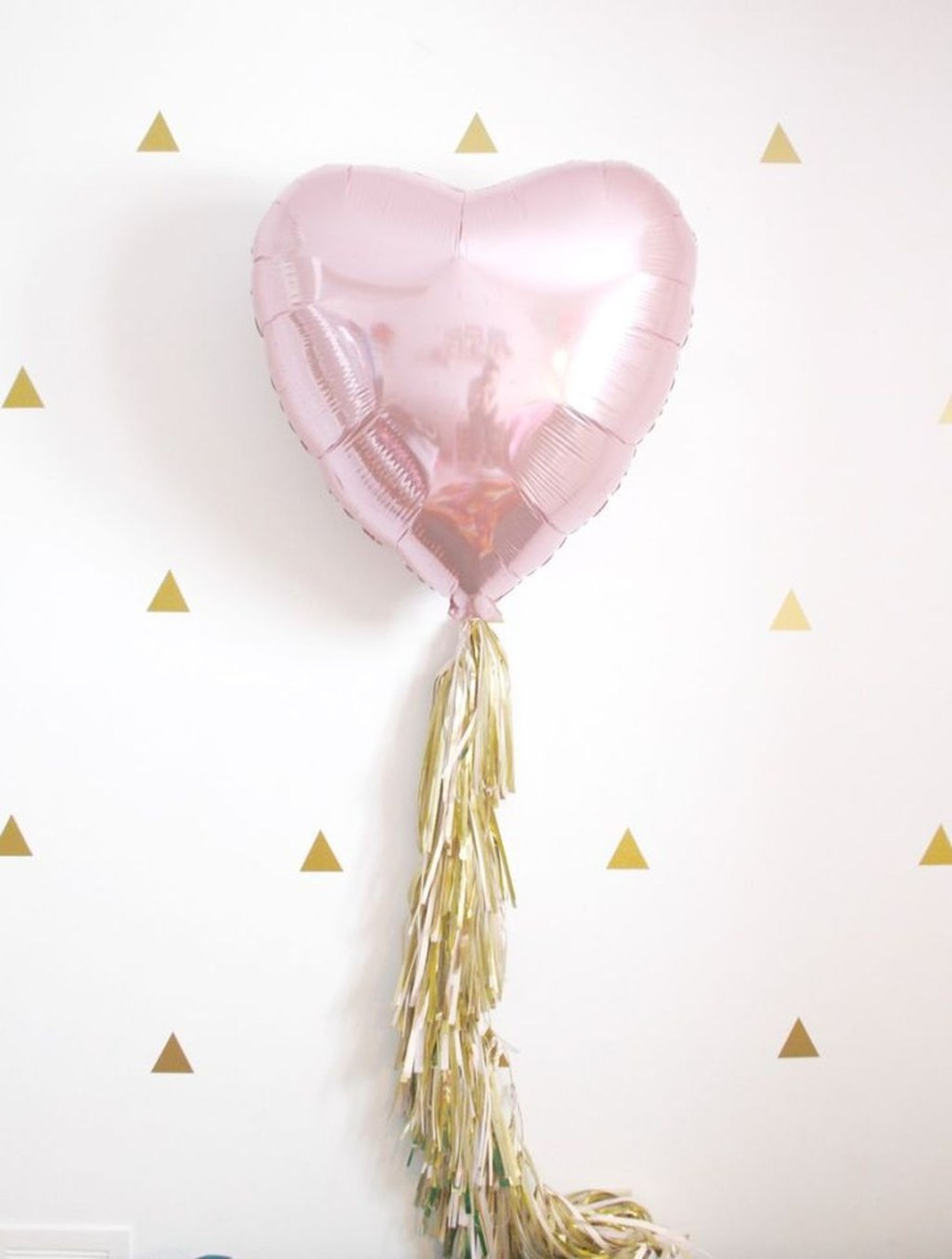 Totally Fun Valentines Day Party Decorations Ideas 10