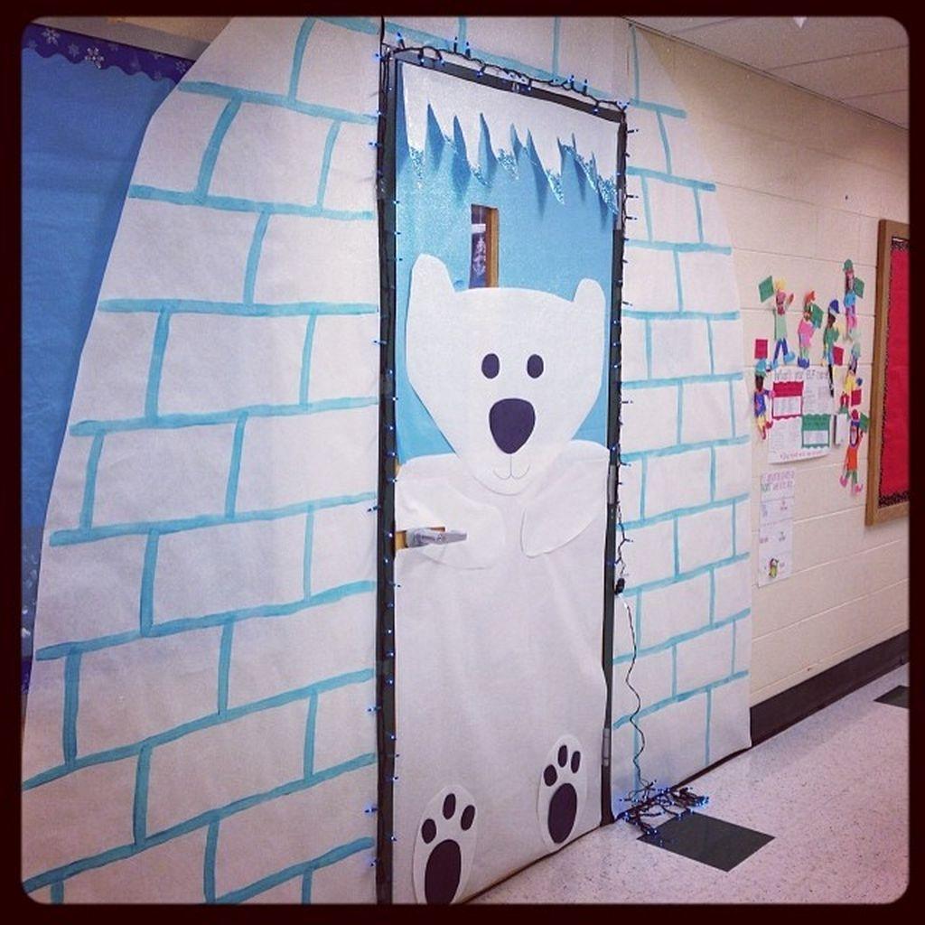 Totally Inspiring Winter Door Decoration Ideas 02