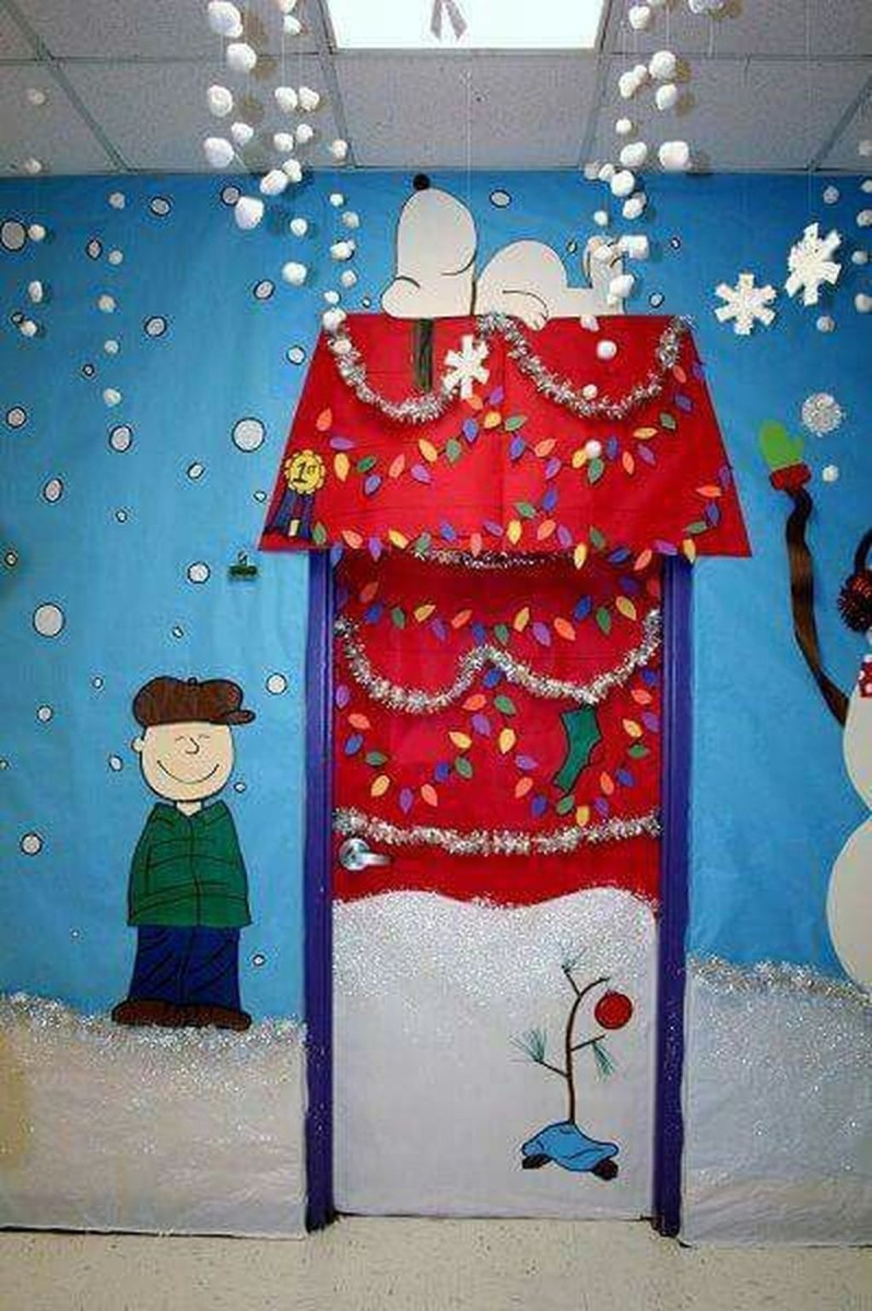 Totally Inspiring Winter Door Decoration Ideas 04