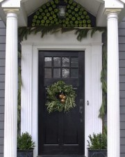 Totally Inspiring Winter Door Decoration Ideas 11