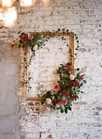 Unique Outdoor Valentine Decoration Ideas 22