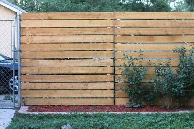 Adorable Wooden Privacy Fence Patio Backyard Landscaping Ideas 11