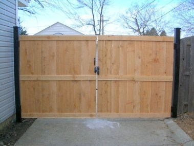 Adorable Wooden Privacy Fence Patio Backyard Landscaping Ideas 13