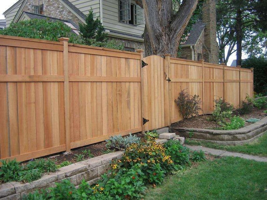 Adorable Wooden Privacy Fence Patio Backyard Landscaping Ideas 18
