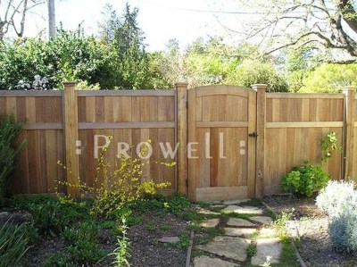 Adorable Wooden Privacy Fence Patio Backyard Landscaping Ideas 29