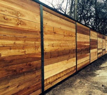 Adorable Wooden Privacy Fence Patio Backyard Landscaping Ideas 34