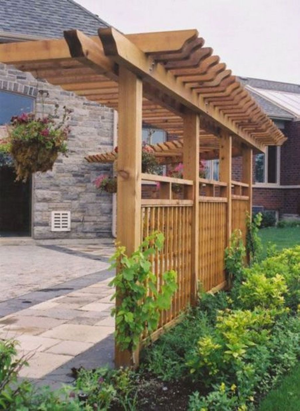 Adorable Wooden Privacy Fence Patio Backyard Landscaping Ideas 37