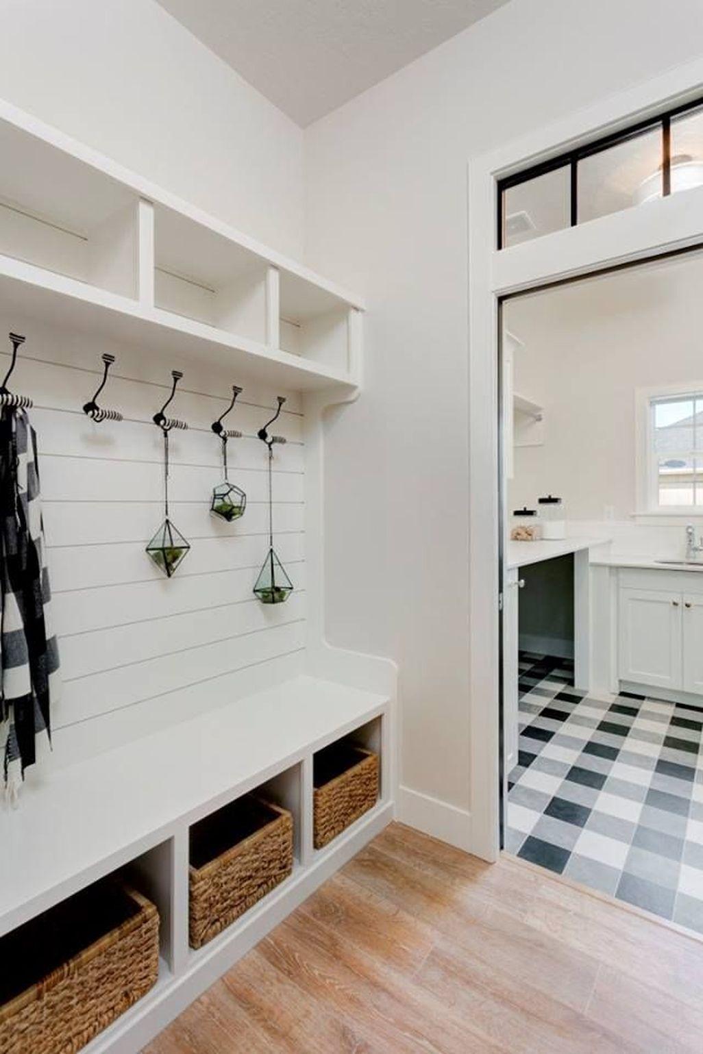 Amazing Farmhouse Entryway Mudroom Design Ideas 07