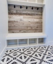 Amazing Farmhouse Entryway Mudroom Design Ideas 41