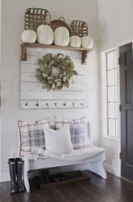 Amazing Farmhouse Entryway Mudroom Design Ideas 45