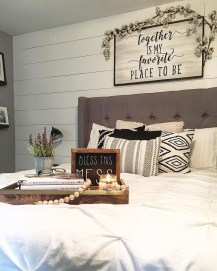 Amazing Farmhouse Style Master Bedroom Ideas 13