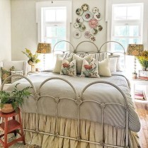 Amazing Farmhouse Style Master Bedroom Ideas 18