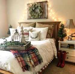 Amazing Farmhouse Style Master Bedroom Ideas 22