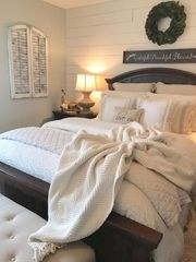 Amazing Farmhouse Style Master Bedroom Ideas 30