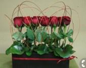 Amazing Minimalist And Modern Valentine Decoration Ideas 37