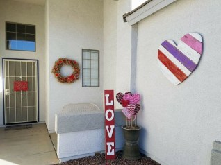 Amazing Outdoor Valentine Decoration Ideas 02