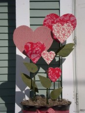 Amazing Outdoor Valentine Decoration Ideas 04