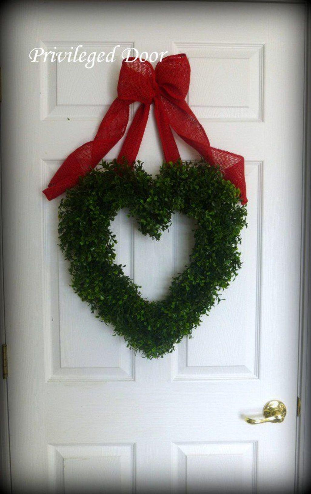 Amazing Outdoor Valentine Decoration Ideas 13