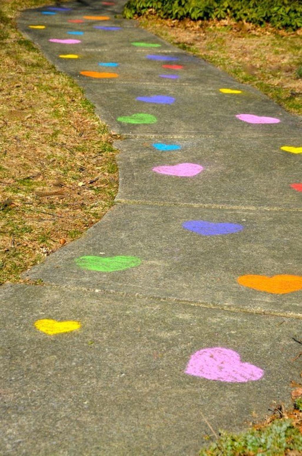 Amazing Outdoor Valentine Decoration Ideas 22