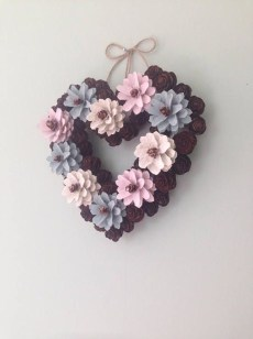 Amazing Outdoor Valentine Decoration Ideas 28
