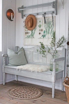 Beautiful Rustic Entryway Decoration Ideas 24