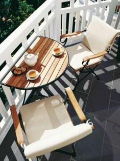 Cozy Apartment Balcony Decoration Ideas 11