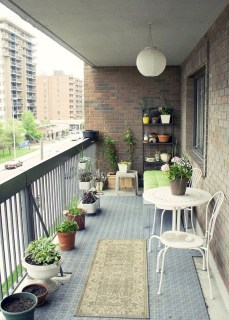 Cozy Apartment Balcony Decoration Ideas 28