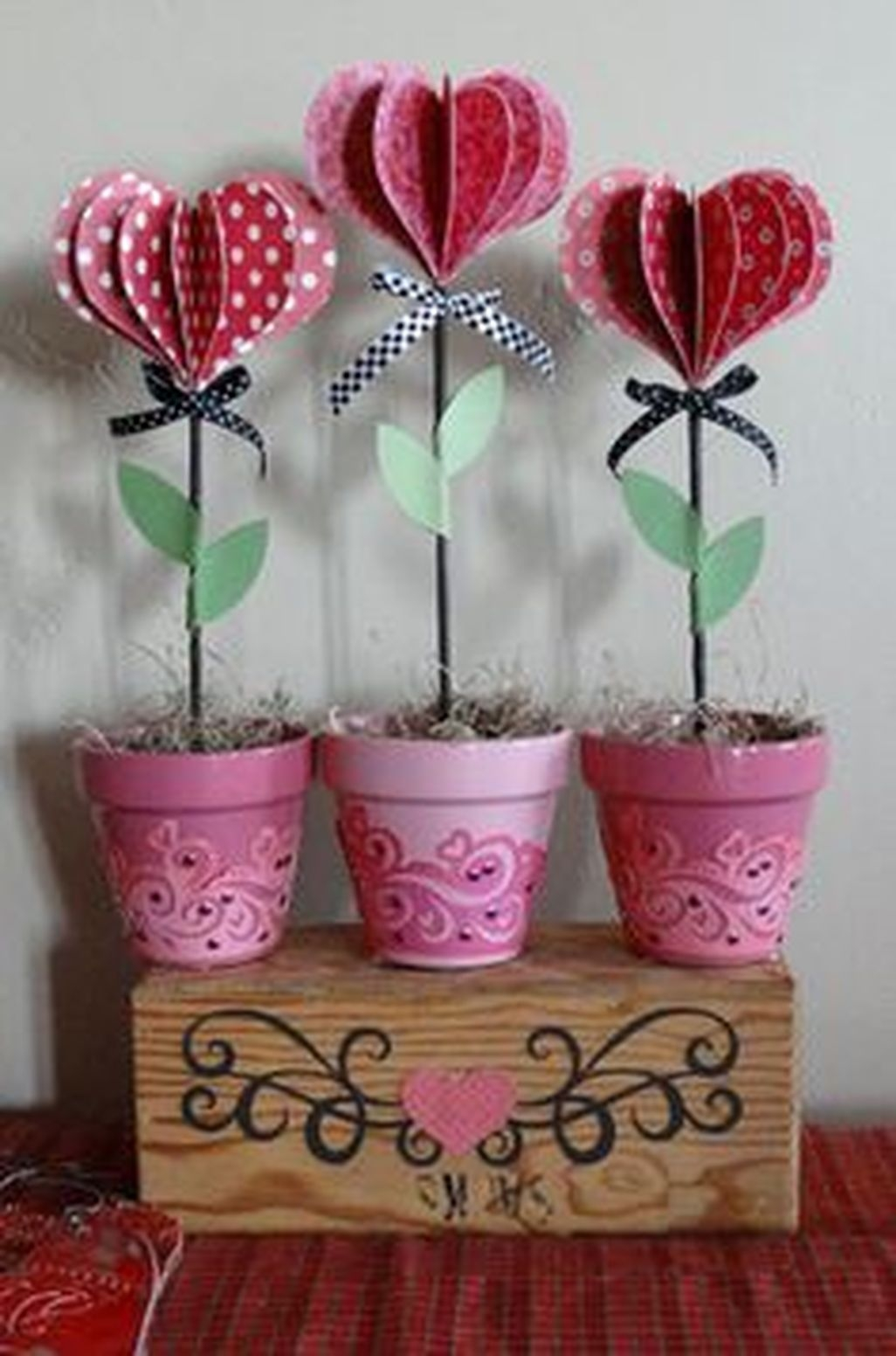 Fun And Festive Way Decorate Your Home For Valentine 07