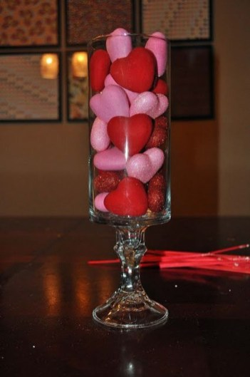 Fun And Festive Way Decorate Your Home For Valentine 19